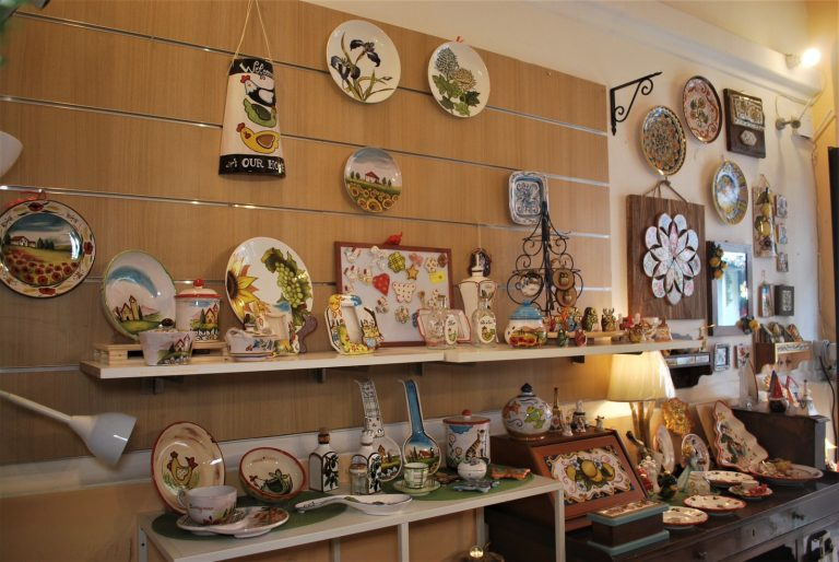 negozio di ceramica