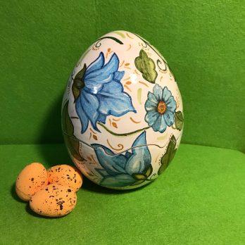 Uova in ceramica tema natura