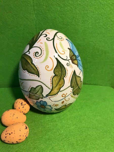 uova in ceramica